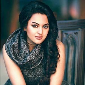sonakshi sinha Top 10 Best Bollywood Actresses