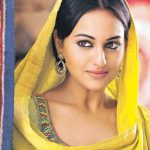 sonakshi sinha in yellow Outfilt