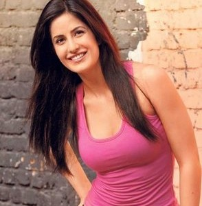 download hot and sexy Katrina Kaif wallpapers