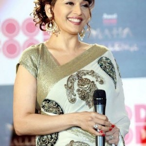 download hd wallpapers of madhuri dixit