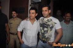 Can we see two Khans (Aamir and Salman) together in Andaz Apna Apna Sequel ?