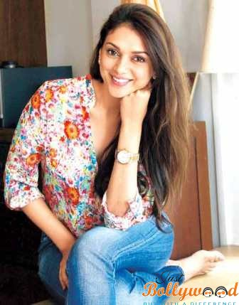 Bollywood Actresses Biography, Profile, Age, Wallpapers