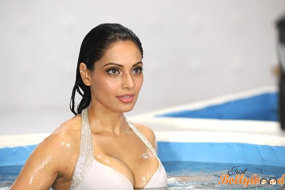 Bipasha Basu In Swim Suite