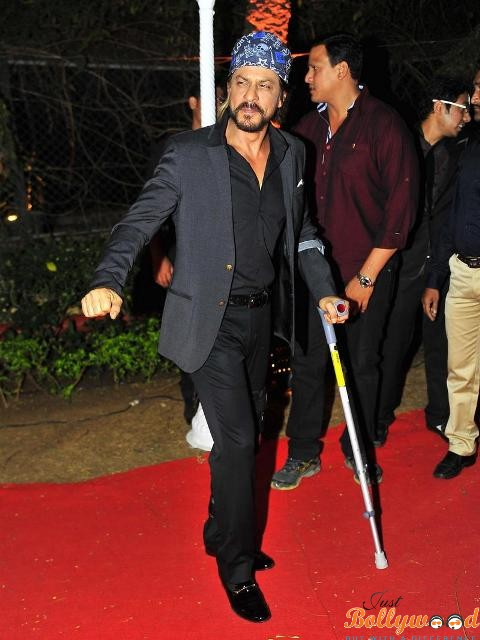 Shah Rukh Khan Injured in a promotional event