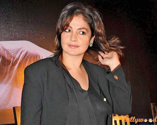 Pooja-Bhatt announces her seperation