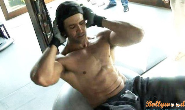 Hrithik height weight issue