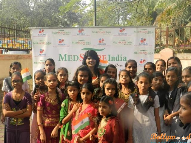 Vidya Thakur supports Save The Girl Child Initiative