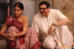 Mohalla Assi Trailer: Watch Sunny Deol and Sakshi Tanwar in Crazy Desi Style