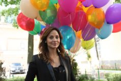 """Natalie Imbruglia claims fame nearly sent her """"insane""""."""
