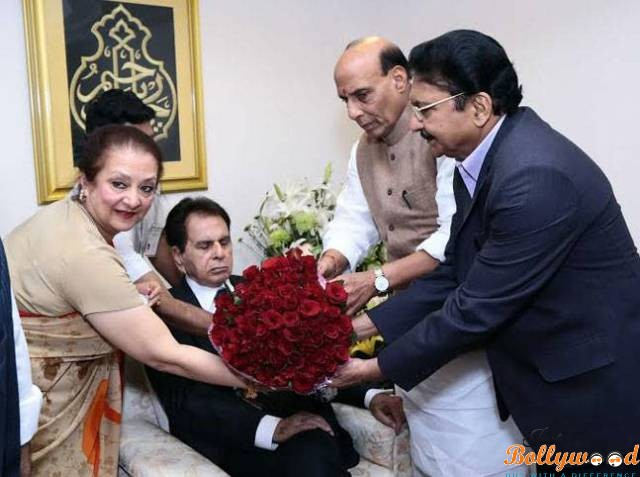 dilip-kumar-honored