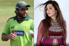 """""""I always respect others and demand the same from others"""", says Afridi after spat with media, as Arshi Khan defends him in Mumbai"""
