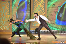 Sandip Soparrkar and Jesse Randhawa perform the opening dance at 14th Mumbai International Film Festival (MIFF)