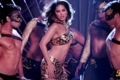 Do Peg Maar Song from One Night Stand: Notch Sunny Leone Tapping Feet