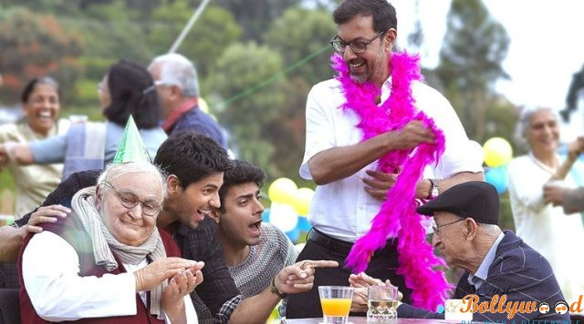 Kapoor & Sons Movie Review