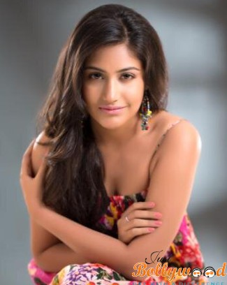 Photo of Surbhi Chandna : Biography, wiki, age, height, instagram, wallpapers