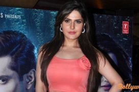 Collage invited Zareen Khan to talk on personality development.