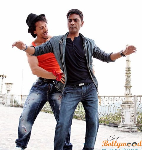 Photo of Catch Munna Michael's New Still featuring Nawazuddin Siddiqui Showing His Groovy Moves to Tiger Shroff