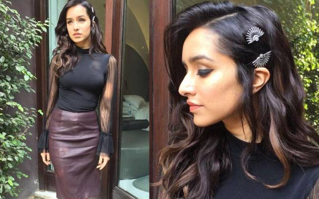 Photo of Shraddha Kapoor Donating Clothes To Help Charitable Institutions