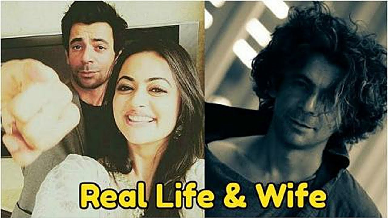 Sunil Grover and wife Aarti