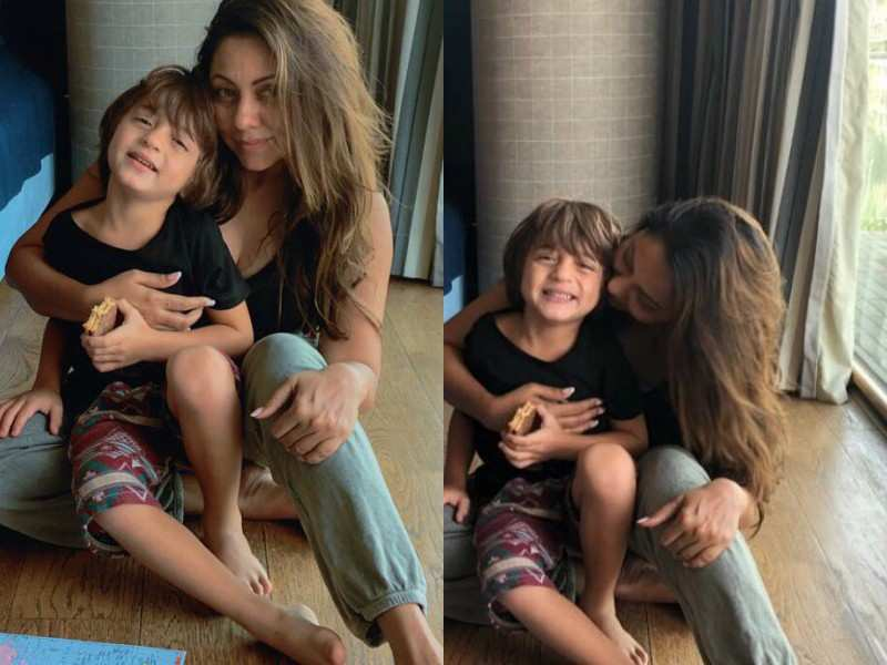 Photo of Cool Pictures of AbRam with SRK & Gauri