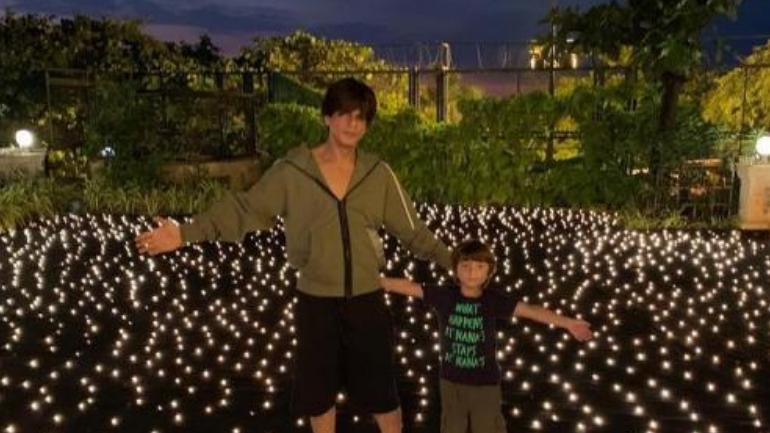 Photo of SRK Plans for Diwali 2019 is Special with Son AbRam
