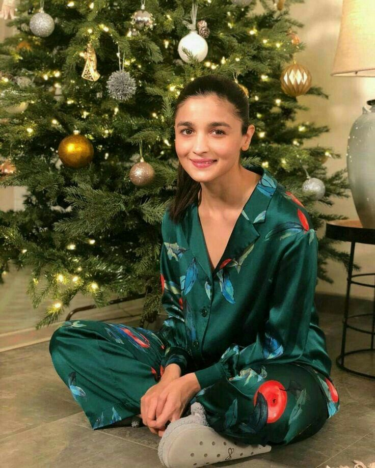 Photo of Alia Bhatt is now a Film Producer Check Details