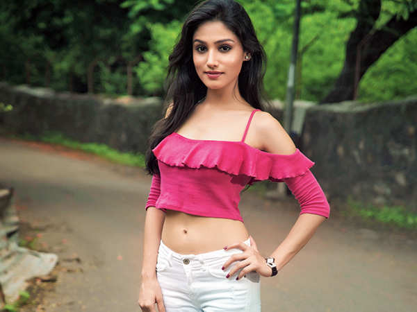 Donal Bisht : Biography, wiki, age, height, instagram