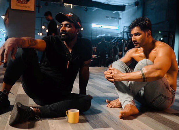 Photo of OMG: Varun Dhawan gets his knee badly hurt during Street Dancer 3D rehearsals