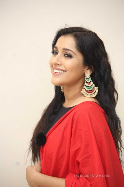 Photo of Anchor Turned Actor Rashmi Gautam Takes On To Work in Web series