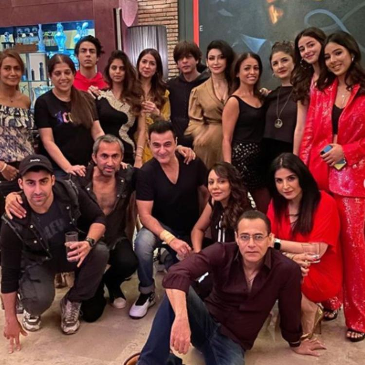 Photo of Inside SRK's New Year Party, have a look