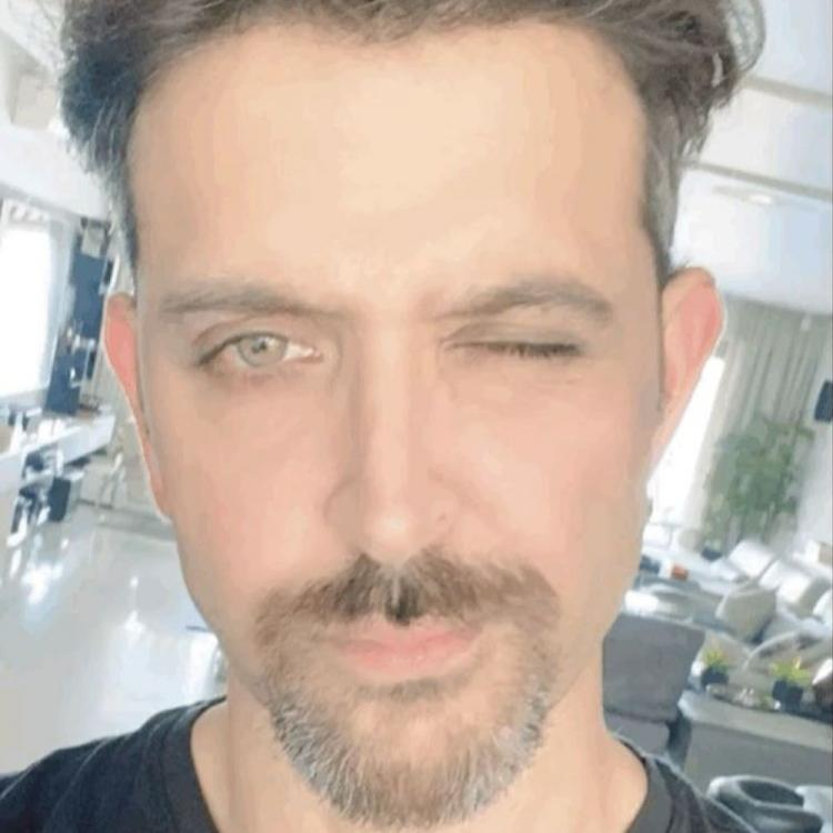 Photo of Hrithik Roshan Comes out with his lockdown fitness goals by fasting for 23 hours
