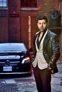 Actor singer Waqar Malik due to release his 2nd song Gulabi from the trilogy 'In Lamhon Mai'