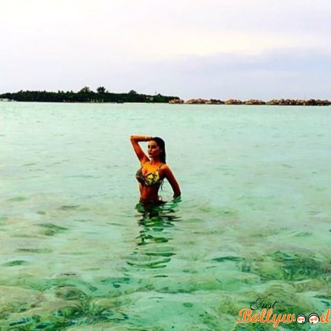 gizele-thakral-in-maldives-vacation1
