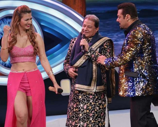 Anup Jalota's entry with his girlfriend Jasleen Matharu
